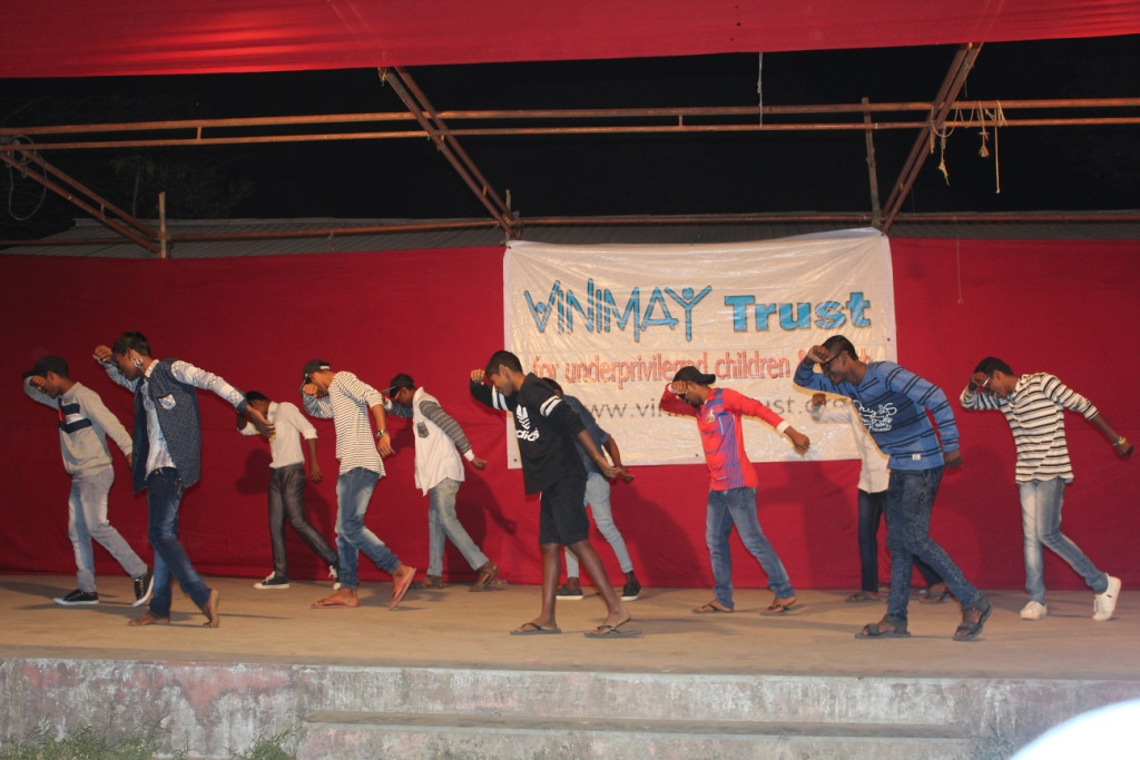 CCH-Boys dancing-31Dec 2017